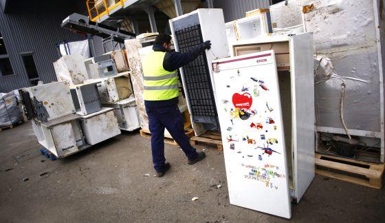 Cárcel por triturar frigoríficos y contaminar con gas